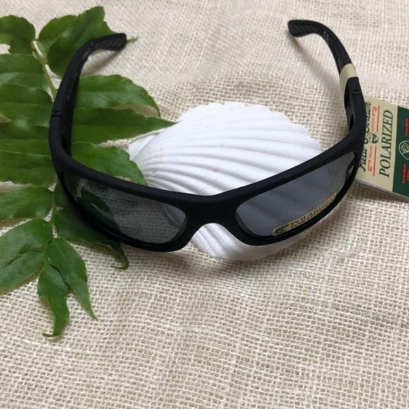 7847c31cd0 NWT Field   Stream black polarized sunglasses NWT